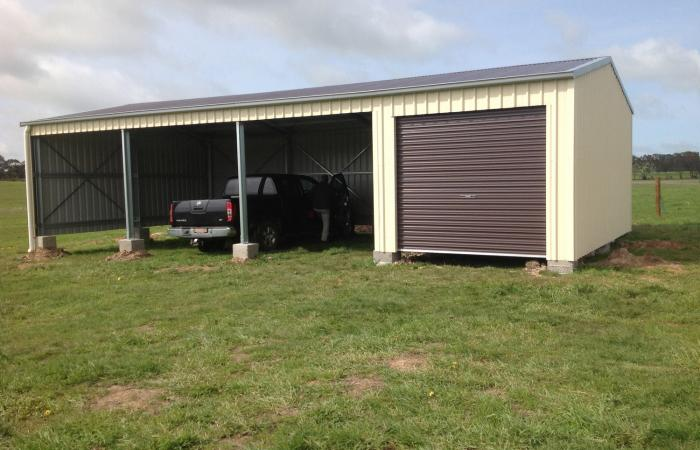 Lock it up 2 4 bays Single Garage with 3 open bays